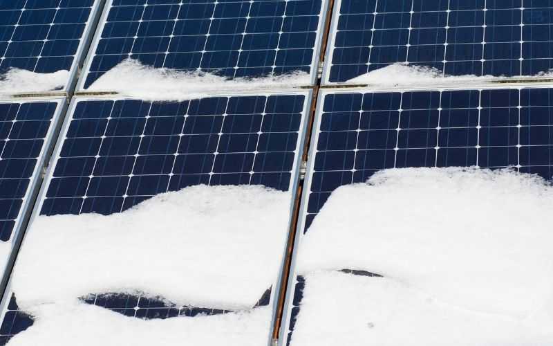Sprawność paneli fotowoltaicznych w zimie.